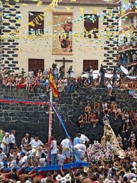 Carnaval 2012 in Santa Cruz, Puerto Cruz and Los Cristianos, Tenerife? July-fiestas-puerto-de-la-cruz-tenerife-2010