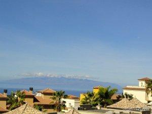 Tenerife - view La Gomera