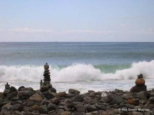 stone-sculptures-la-caleta